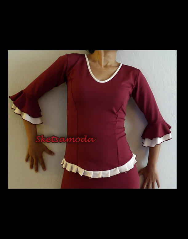maroon off white top